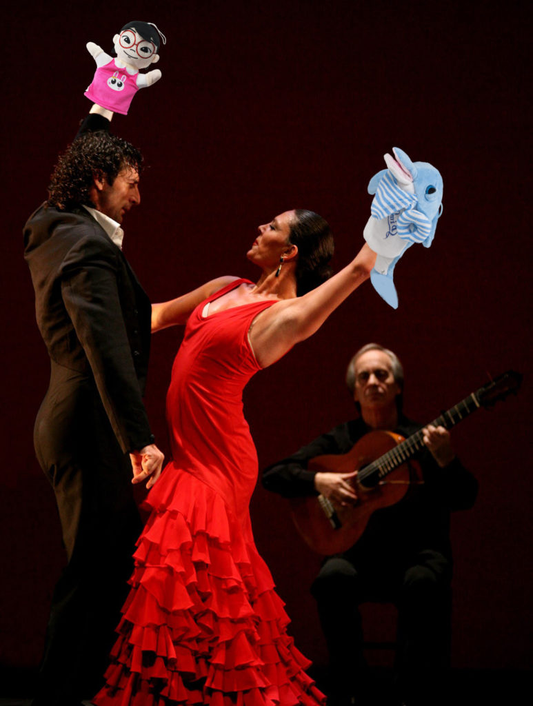 Puppet Flamenco Couple + Guitar - Dolphin Girl